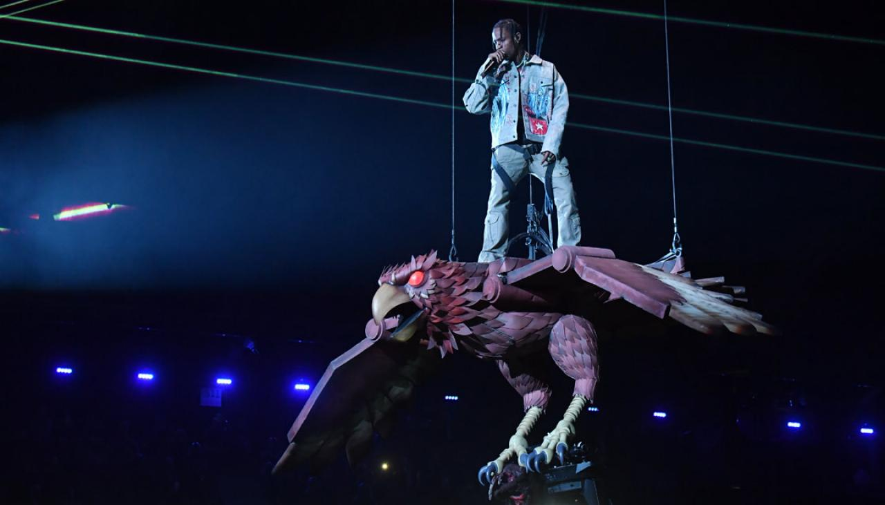 Travis Scott Stuns 2017 Mtv Emas By Performing On Robot
