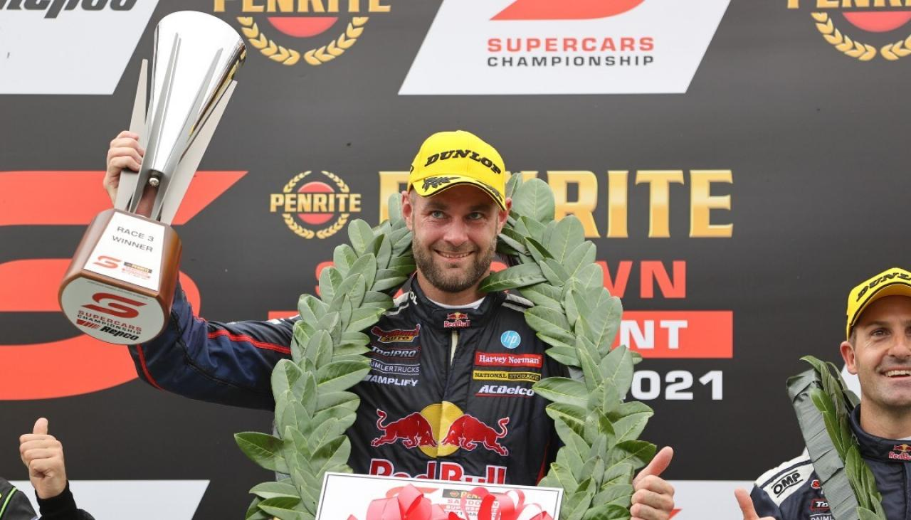Motorsport: Injured Shane van Gisbergen remains perfect to start Supercars season with Sandown sweep